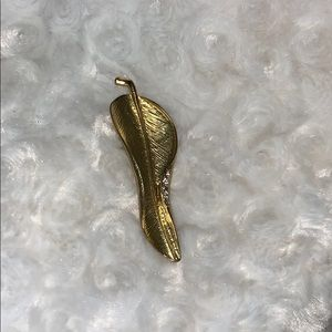 Gold Leaf Pin Brooch